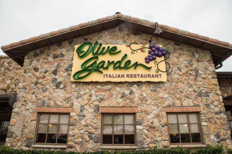 Save More Money with These 15 Olive Garden Hacks