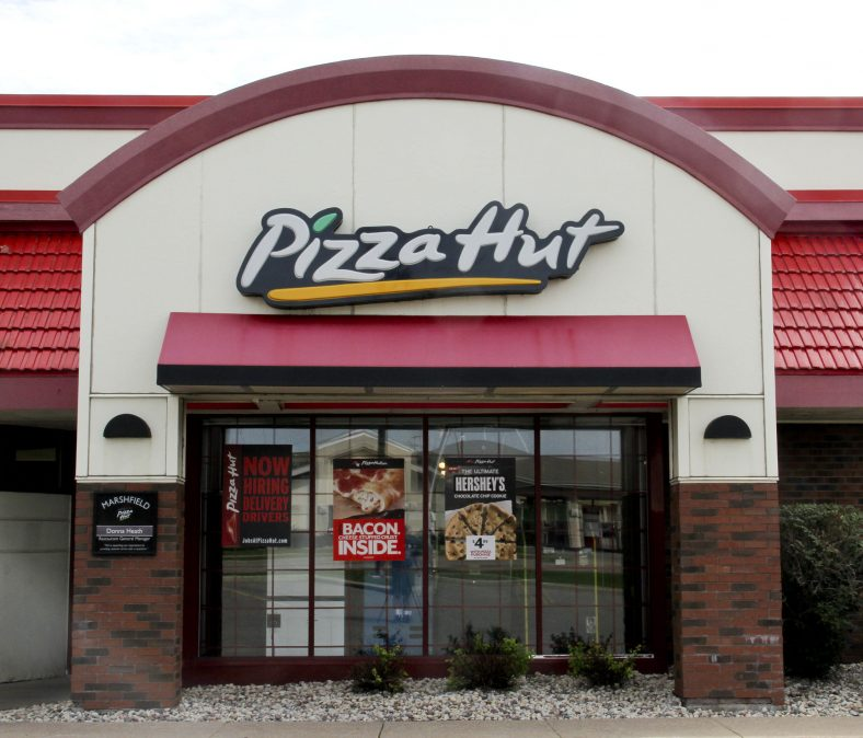 10 Tips and Tricks to Save at Pizza Hut