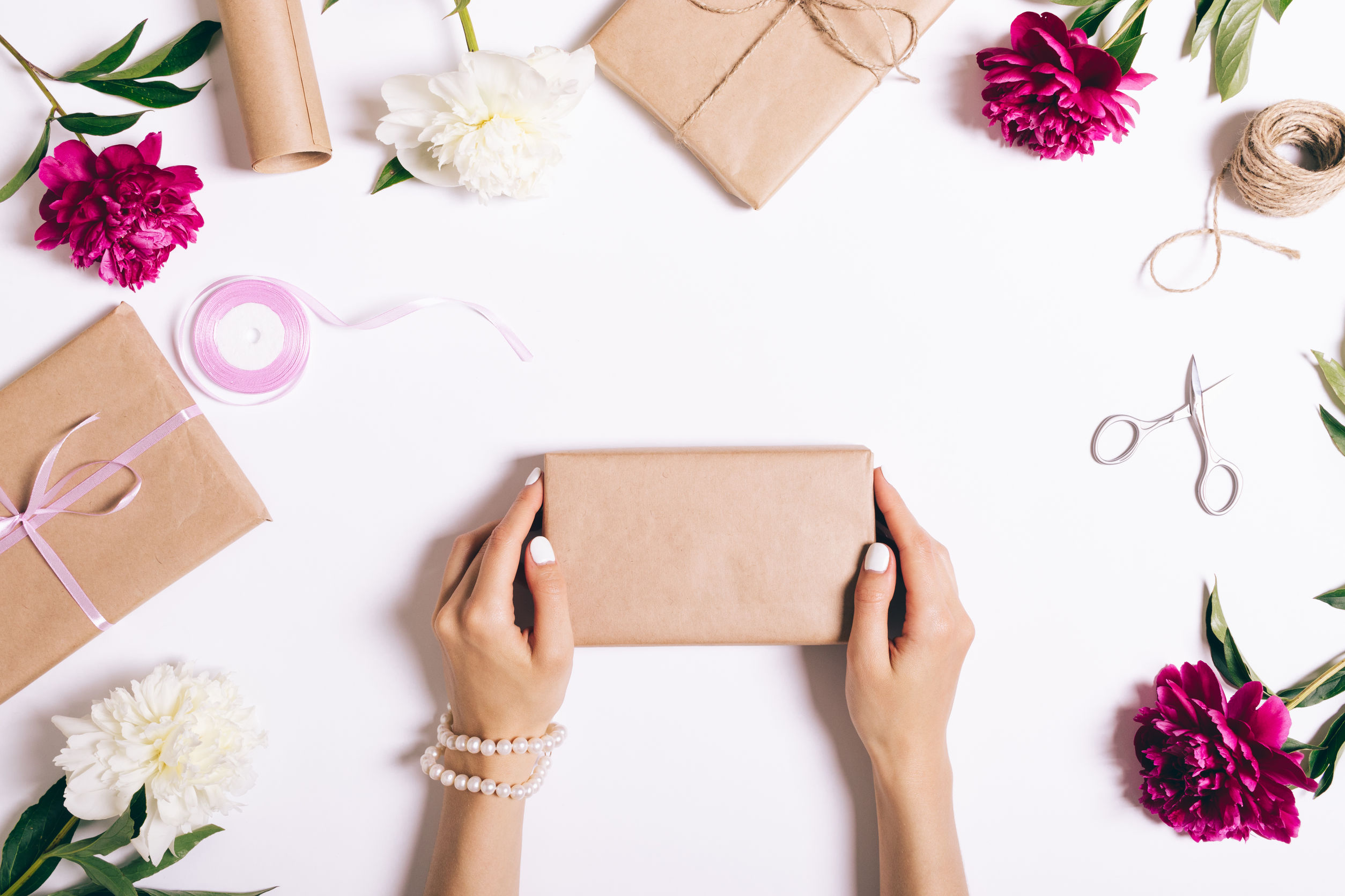 stores with gift wrapping service